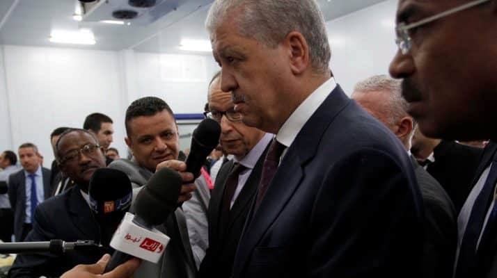 À El Oued, Sellal alterne les bonnes et les mauvaises nouvelles