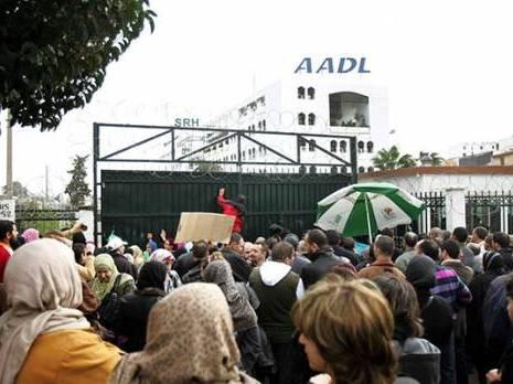 Les souscripteurs aux logements AADL2 protestent