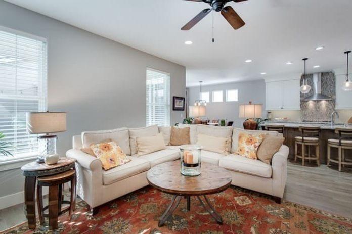 Décoration intérieure : pourquoi choisir des meubles sur-mesure ?